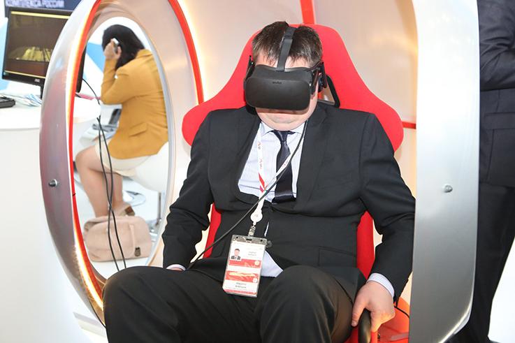 Установка мест кинозрителя для просмотра VR-фильма для экспозиции